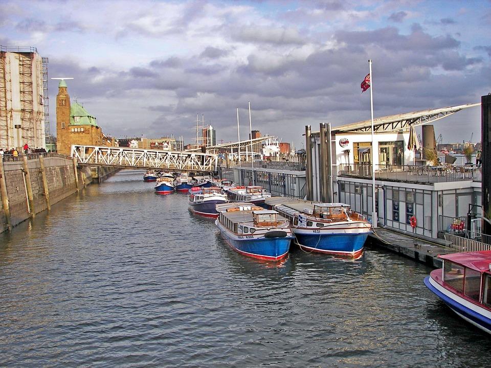 Bild von Landungsbrücken zwischen Brücke 6 und 7 Veranstaltungsbereich